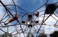 Kinder am klettern auf dem Abenteuerspielplatz Bregaue