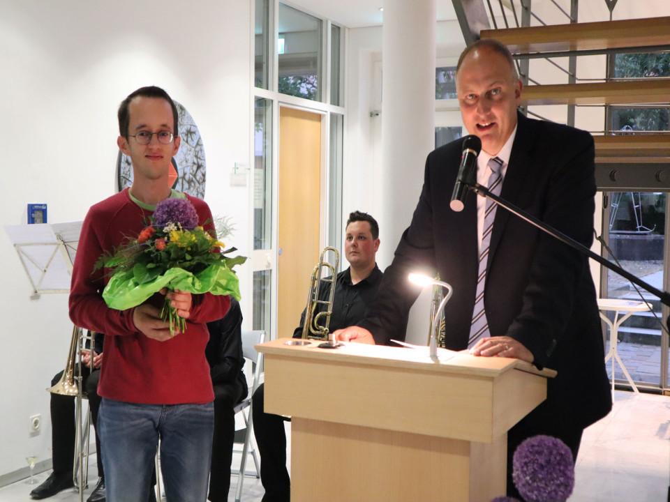 Thomas Vetter freut sich über den Hauptgewinn
