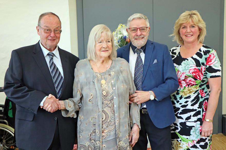 Ehrenbürgerin Eva von Lintig feiert 90. Geburtstag